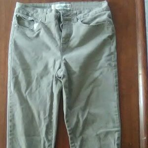 Size 4 juniors  Faded Glory  Jean pants